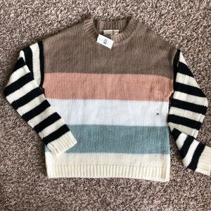 NWT Daytrip Buckle Acrylic Knit Sweater Size M